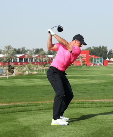 McIlroy leads the way in Abu Dhabi