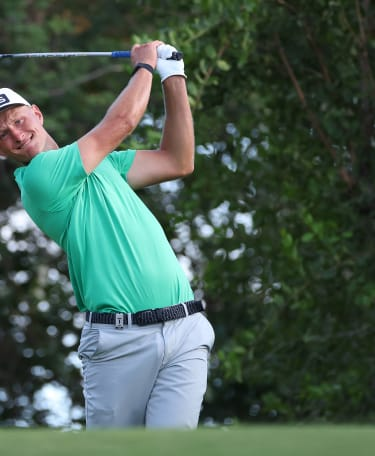 Meronk takes one-shot lead into final round