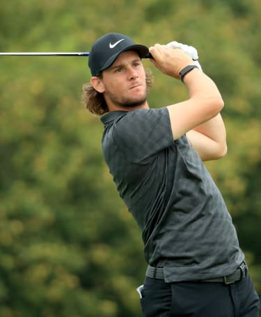 Pieters takes early lead
