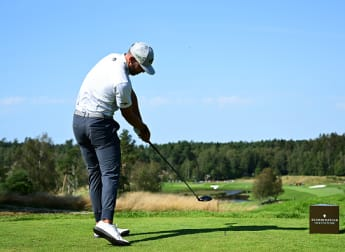 Van Rooyen extends lead in thrilling finale