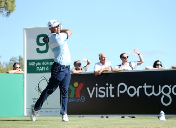 Dazzling De Jager finds form to lead in Portugal