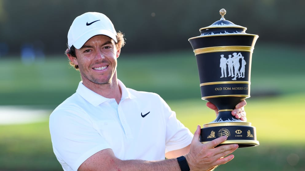 Rory McIlroy with WGC-China trophy